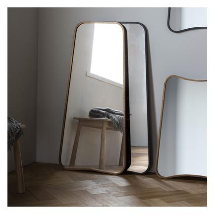Kurva Leaner Mirror