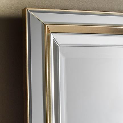 Vogue Leaner Mirror