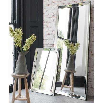Luna Leaner Mirror